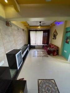 Gallery Cover Image of 650 Sq.ft 1 BHK Apartment for buy in Sai Samarth Co-op Hsg. Society, Kalwa for 4500000