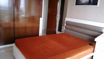 Gallery Cover Image of 900 Sq.ft 2 BHK Apartment for rent in Juhu for 90000