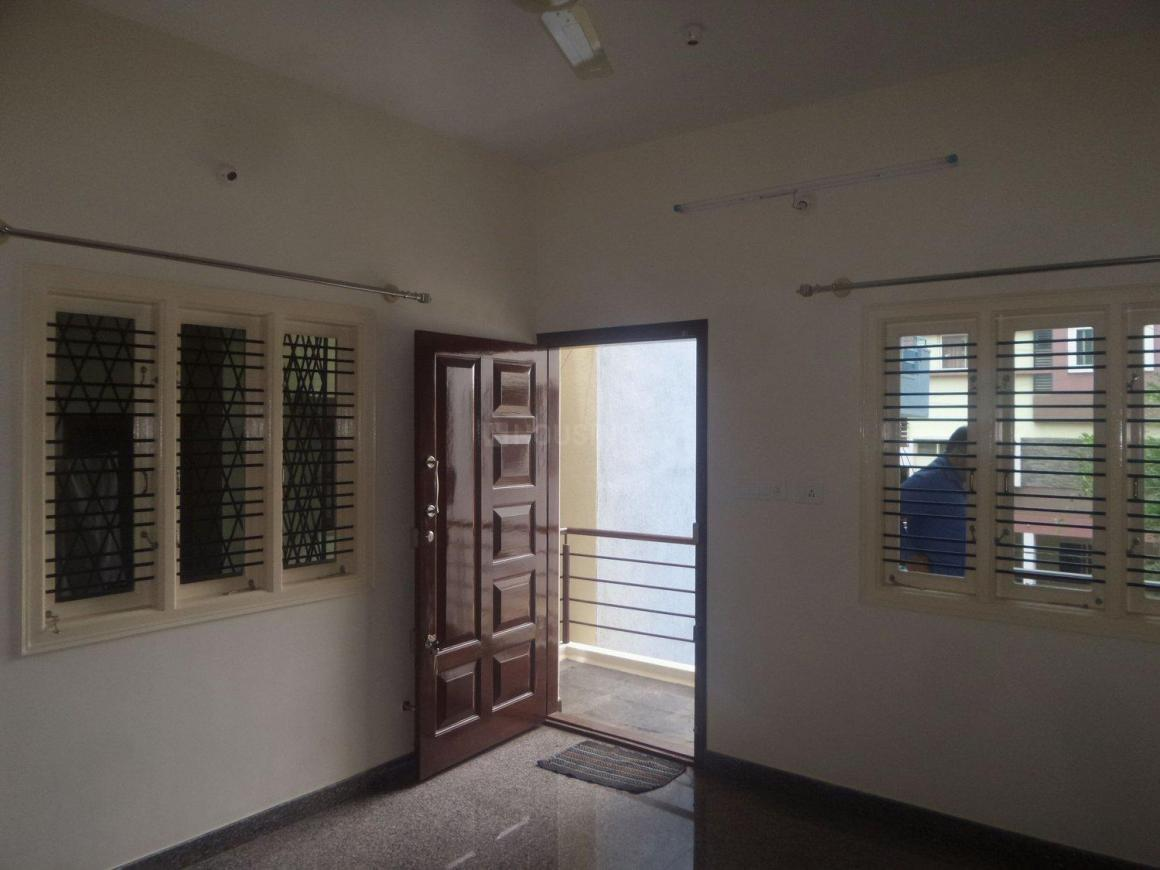 Living Room Image of 800 Sq.ft 2 BHK Apartment for rent in Amrutahalli for 15000