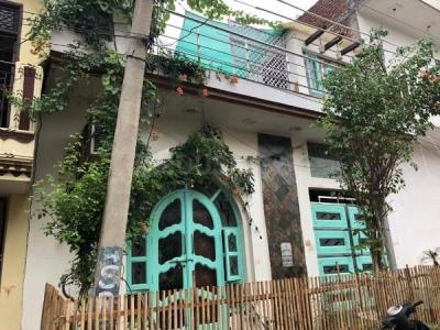 Gallery Cover Image of 1000 Sq.ft 3 BHK Independent House for buy in Sector 63 for 7000000