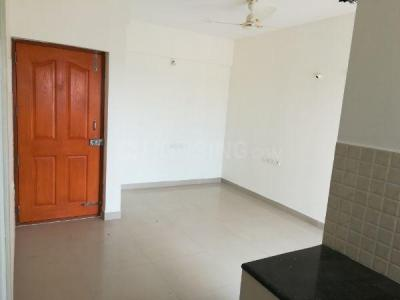 Gallery Cover Image of 650 Sq.ft 2 BHK Apartment for rent in Thattanahalli for 8000