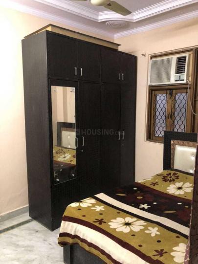फतेह नगर में सेठी गर्ल्स पीजी के बेडरूम की तस्वीर
