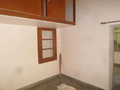 Gallery Cover Image of 750 Sq.ft 1 BHK Apartment for rent in Rajajinagar for 10500
