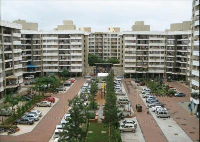 Gallery Cover Image of 890 Sq.ft 2 BHK Apartment for rent in Kandivali East for 35000