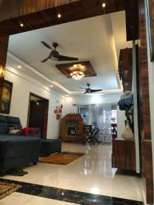 Gallery Cover Image of 1700 Sq.ft 3 BHK Apartment for rent in HSR Layout for 50000