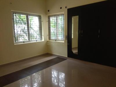 Gallery Cover Image of 1800 Sq.ft 3 BHK Apartment for buy in Adyar for 27000000