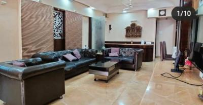 Gallery Cover Image of 1600 Sq.ft 3 BHK Apartment for rent in Deccan B CHS, Khar West for 165000