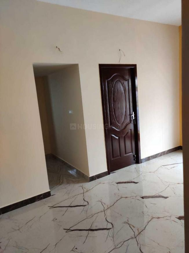 Living Room Image of 860 Sq.ft 2 BHK Apartment for buy in Perumalpattu for 3870000