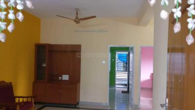 Gallery Cover Image of 880 Sq.ft 2 BHK Apartment for rent in Pallikaranai for 18000