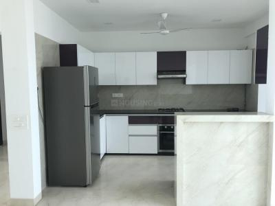 Gallery Cover Image of 3650 Sq.ft 4 BHK Apartment for rent in Prabhadevi for 550000