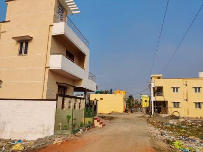 Gallery Cover Image of 800 Sq.ft 1 BHK Independent House for buy in Kovur for 5500000