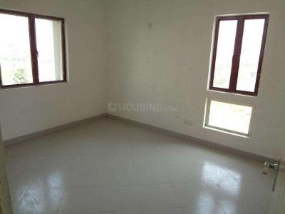 Gallery Cover Image of 1516 Sq.ft 3 BHK Apartment for rent in Ambuja Utsa The Condoville, New Town for 25000
