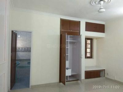 Gallery Cover Image of 1100 Sq.ft 2 BHK Apartment for rent in Vasant Kunj for 35000