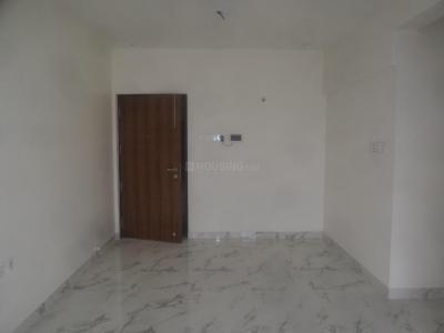 Gallery Cover Image of 800 Sq.ft 2 BHK Apartment for rent in Raheja Ridgewood, Goregaon East for 55000