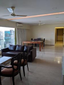 Gallery Cover Image of 2080 Sq.ft 4 BHK Independent Floor for rent in Bandra West for 300000