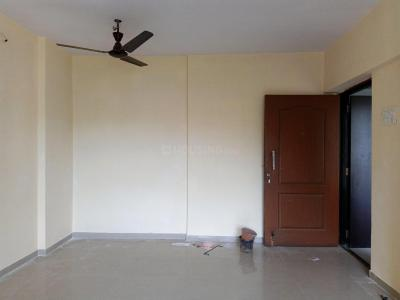 Gallery Cover Image of 990 Sq.ft 2 BHK Apartment for rent in Kandivali East for 26000