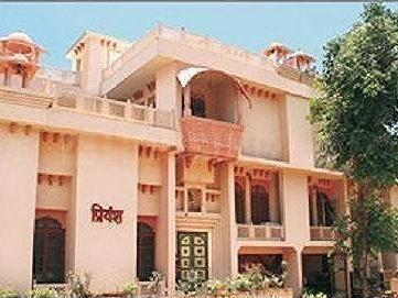 Gallery Cover Image of 4500 Sq.ft 4 BHK Independent House for rent in Thane West for 65000