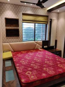 Gallery Cover Image of 1350 Sq.ft 3 BHK Apartment for rent in Rajarhat for 40000