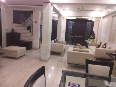 Gallery Cover Image of 4500 Sq.ft 4 BHK Independent House for rent in Khar West for 450000