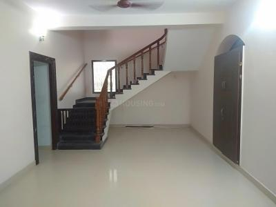 Gallery Cover Image of 5000 Sq.ft 5 BHK Independent House for rent in Velachery for 70000
