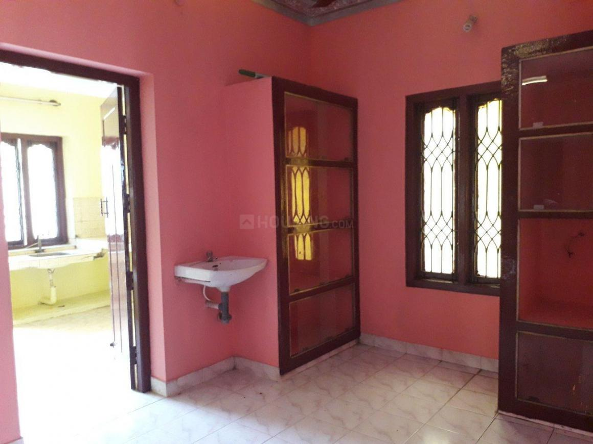 Living Room Image of 1000 Sq.ft 2 BHK Independent House for rent in Maraimalai Nagar for 14000