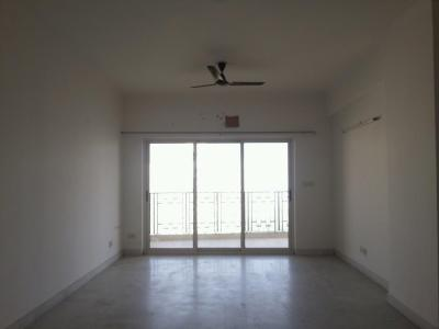Gallery Cover Image of 2150 Sq.ft 3 BHK Apartment for buy in Chi IV Greater Noida for 9700000