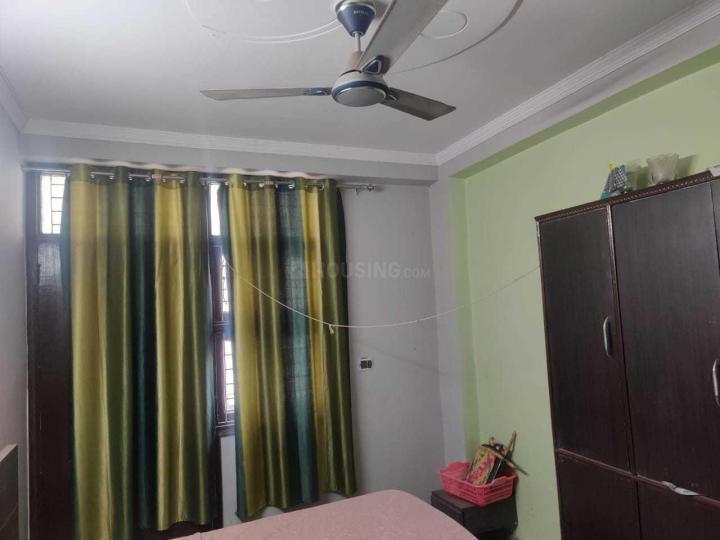 सेक्टर 7 द्वारका में तिवारी हाउस के बेडरूम की तस्वीर