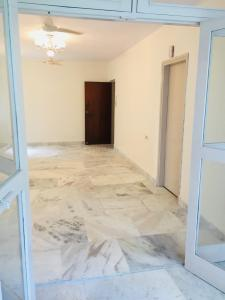 Gallery Cover Image of 1800 Sq.ft 3 BHK Apartment for rent in Sector 21 for 31000