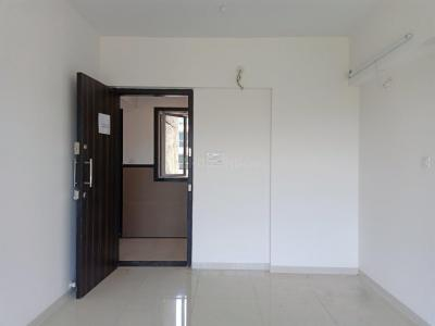 Gallery Cover Image of 575 Sq.ft 1 BHK Apartment for rent in Dahisar East for 19000