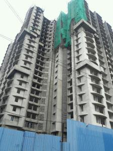 Gallery Cover Image of 830 Sq.ft 1 BHK Apartment for buy in Malad West for 10200000