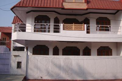 Gallery Cover Image of 1579 Sq.ft 2 BHK Independent House for rent in Sector 5 for 16700