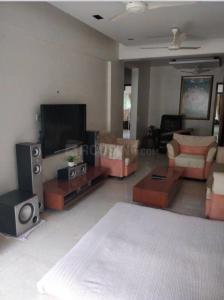 Gallery Cover Image of 950 Sq.ft 2 BHK Apartment for rent in Juhu for 65000