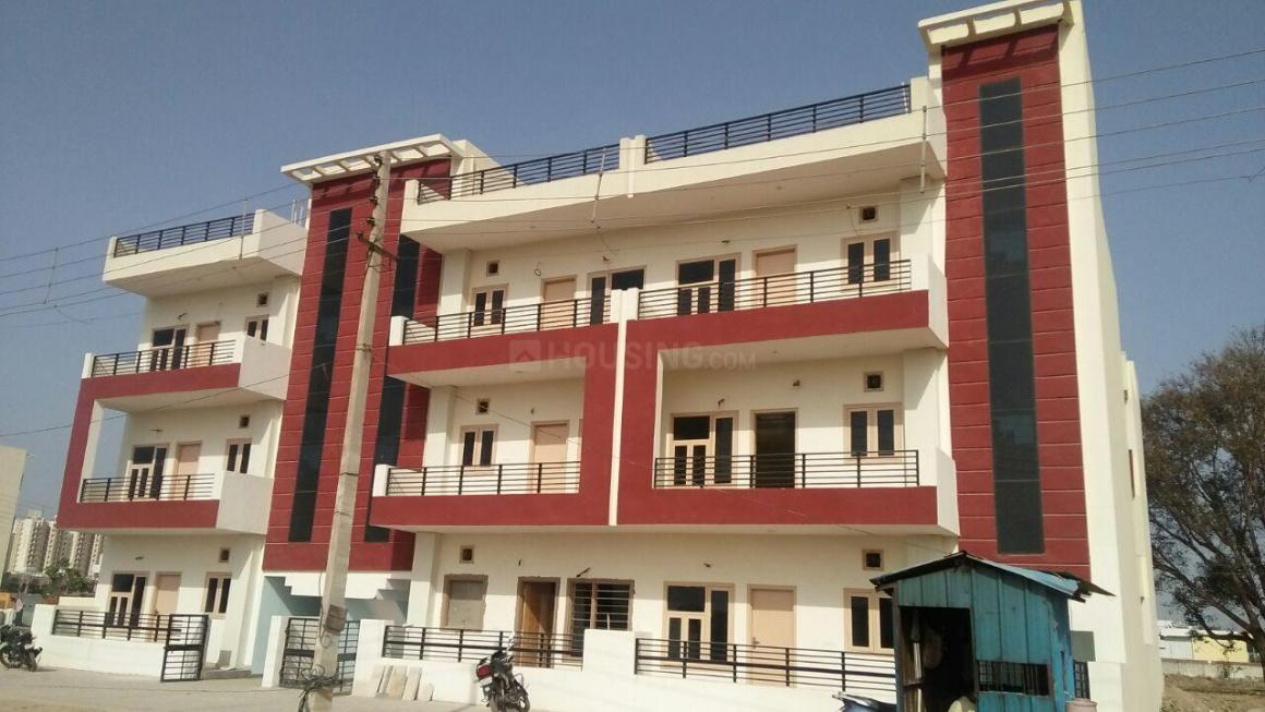 Building Image of 1755 Sq.ft 3 BHK Independent Floor for buy in Sector 73 for 3450000