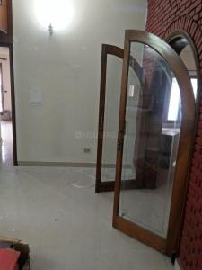 Gallery Cover Image of 900 Sq.ft 2 BHK Independent Floor for rent in Sector 15A for 11000