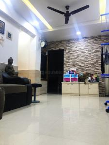 Gallery Cover Image of 800 Sq.ft 2 BHK Apartment for rent in Juhu for 80000