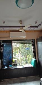 Gallery Cover Image of 570 Sq.ft 1 BHK Apartment for buy in Borivali West for 10000000