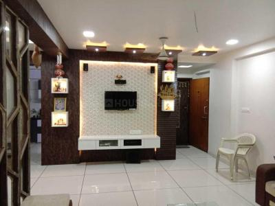 Gallery Cover Image of 1250 Sq.ft 3 BHK Apartment for rent in Makarba for 32000