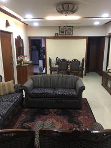 Gallery Cover Image of 950 Sq.ft 2 BHK Apartment for rent in Satellite Garden, Goregaon East for 40000