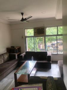 Gallery Cover Image of 1024 Sq.ft 2 BHK Apartment for rent in Chembur for 50000