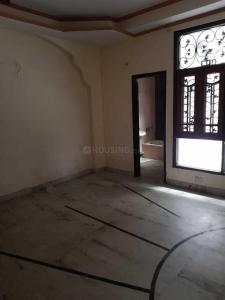 Gallery Cover Image of 2000 Sq.ft 3 BHK Independent Floor for buy in Abhay Khand for 7800000