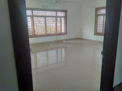 Gallery Cover Image of 10200 Sq.ft 8 BHK Independent House for rent in Kotivakkam for 300000