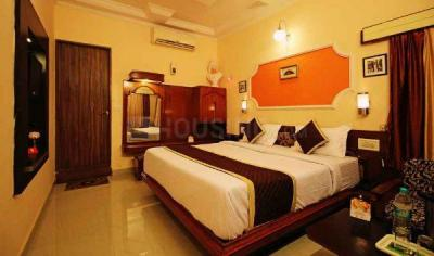 Gallery Cover Image of 1240 Sq.ft 2 BHK Apartment for rent in RAS Palm Residency, Sector 76 for 10500