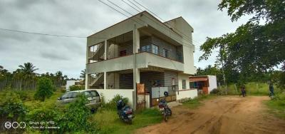 Gallery Cover Image of 1100 Sq.ft 3 BHK Independent House for buy in Gangondanahalli for 7000000