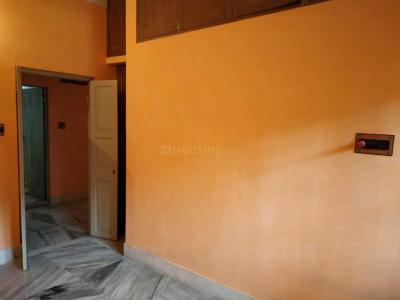 Gallery Cover Image of 750 Sq.ft 1 BHK Independent Floor for rent in Lake Gardens for 12000