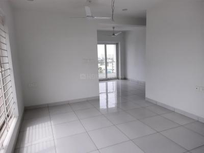 Gallery Cover Image of 1500 Sq.ft 3 BHK Apartment for rent in Sindur Pushpavanam, Valasaravakkam for 40000
