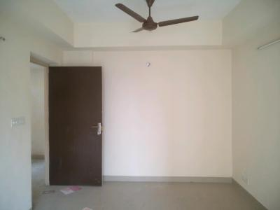 Gallery Cover Image of 825 Sq.ft 2 BHK Apartment for rent in Sector 137 for 10500