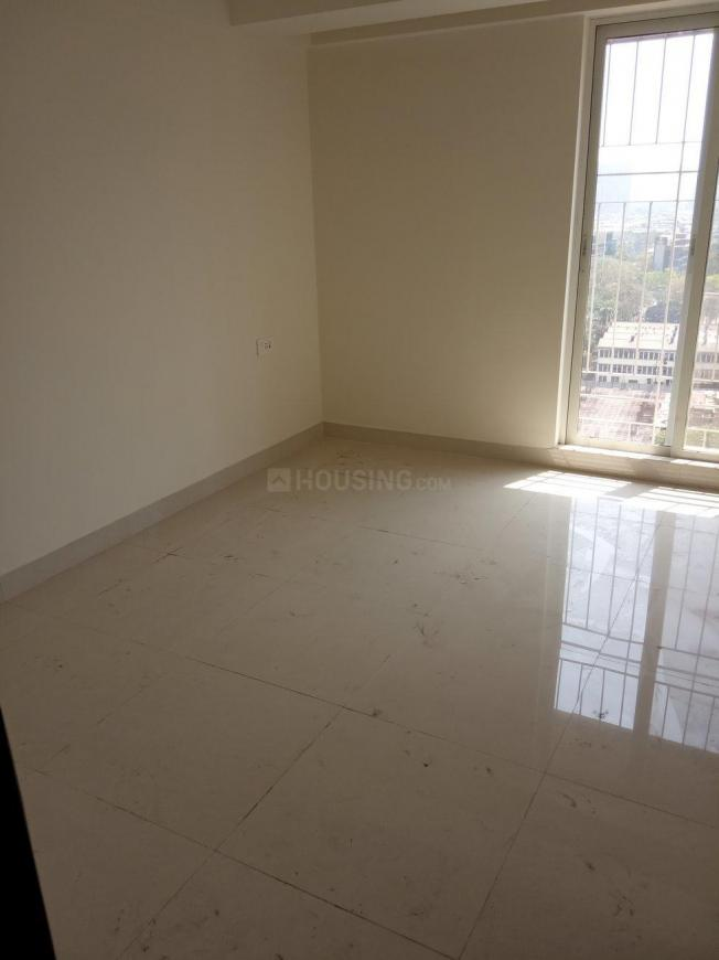 Bathroom Image of 940 Sq.ft 2 BHK Apartment for buy in Thane West for 13000000