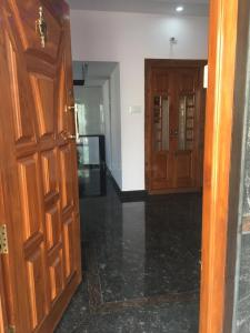Gallery Cover Image of 2200 Sq.ft 5 BHK Independent House for buy in Thotada Guddadhalli Village for 10000000