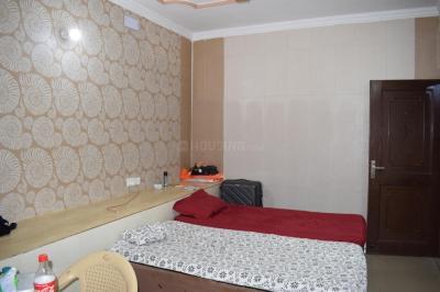 Bedroom Image of Lucky Boys PG in Baljit Nagar