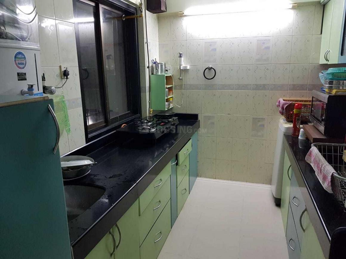Kitchen Image of 950 Sq.ft 2 BHK Apartment for rent in Malad East for 38000